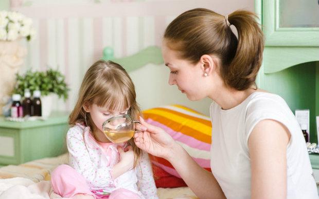 Що можна давати дитині при отруїнні