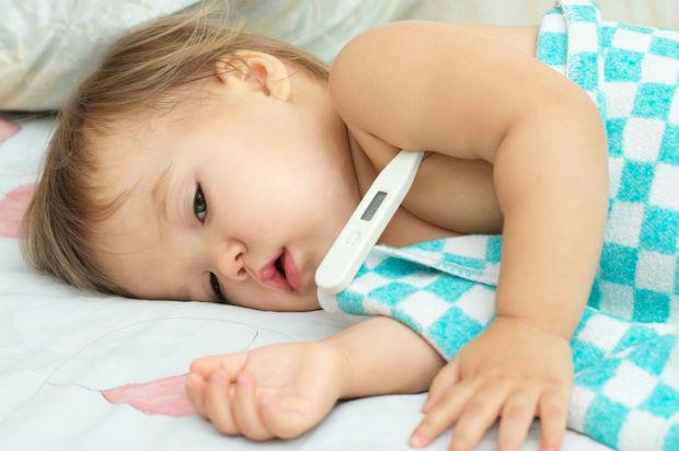 Симптоми ротавірусу: висока температура у дитини